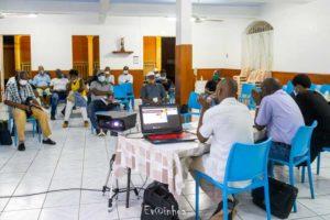 Présentation du projet aux membres de Jébwa à la salle St Michel dans le bourg de Bouillante